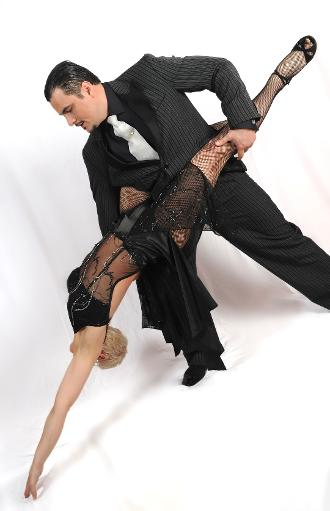 Sandra and Santiago. Professional Latin dancers from Maidstone by Richard Cook Photography
